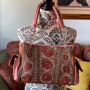 Montana West Embroidered Purse